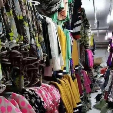 安陽回收服裝尾貨  回收服裝店積壓庫存